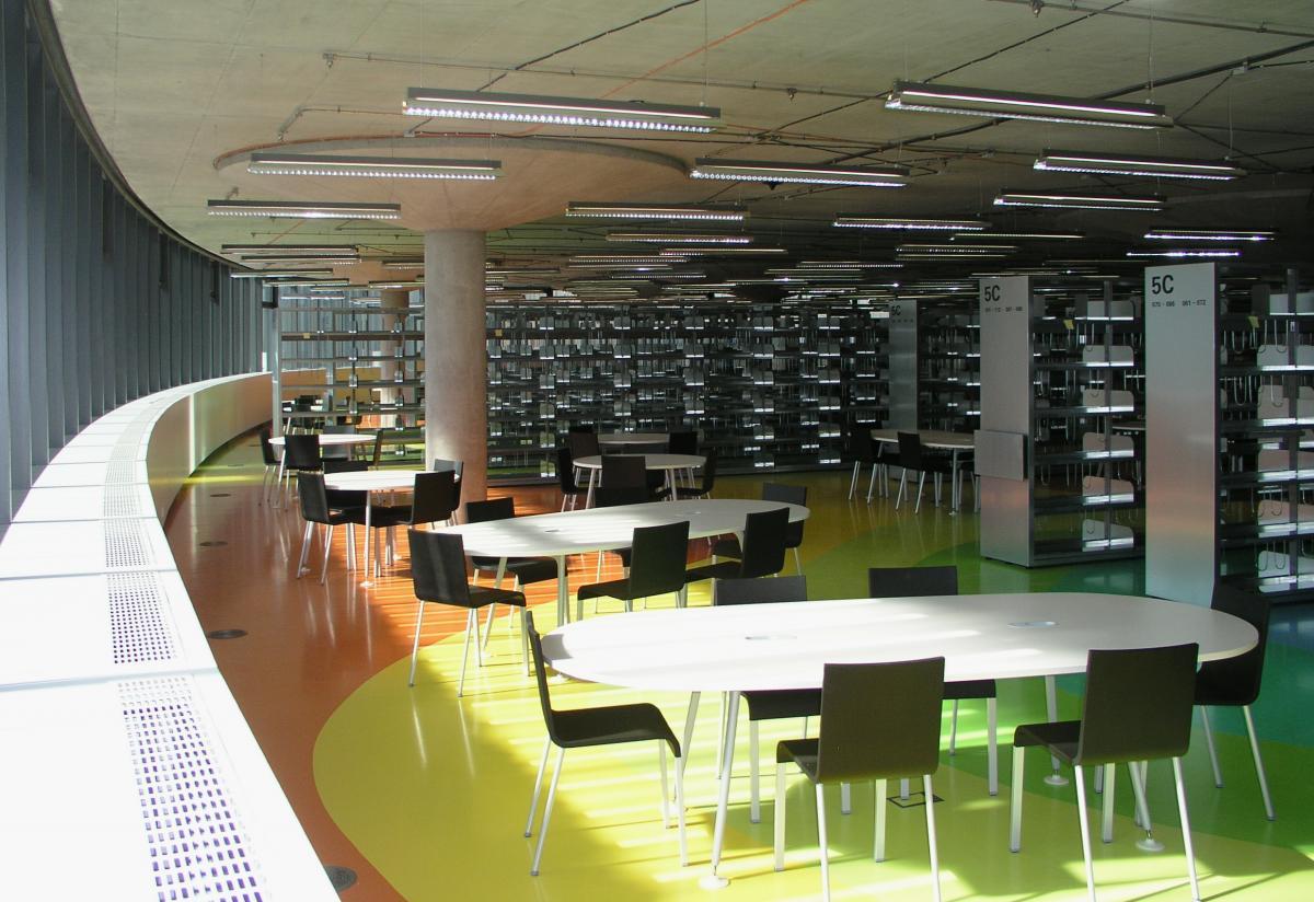 kouření knihovny
